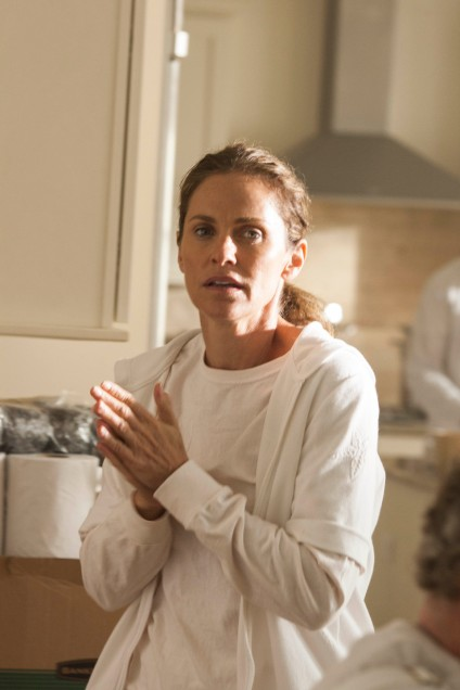 HBO Warner Brothers  The Leftovers- Pilot 2013  Amy Brenneman as Laurie