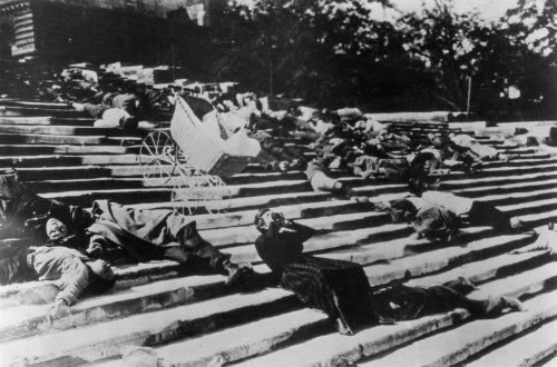 Scene-Battleship-Potemkin-sequence-The-Odessa-Steps